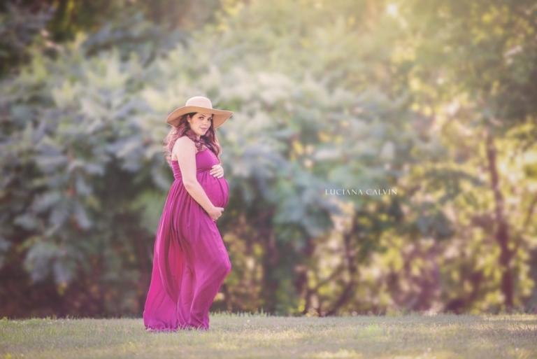 maternity photography on burgundy pregnancy dress